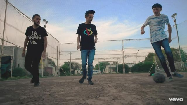 The t-shirt Bigflo in the clip the Dad of Bigflo & Oli feat. Fabian - Youtube Outfits and Products