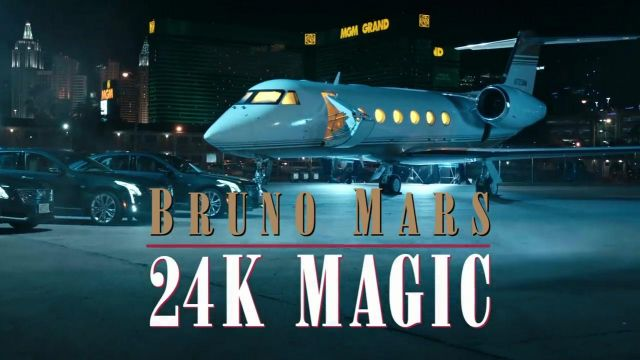 The view of Las Vegas since the track of the Cirrus Aviation Services in the clip, 24K Magic of Bruno Mars - Youtube Outfits and Products
