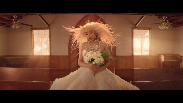 The wedding dress Christian Siriano Cardi B in the clip to Be Careful - Youtube Outfits and Products