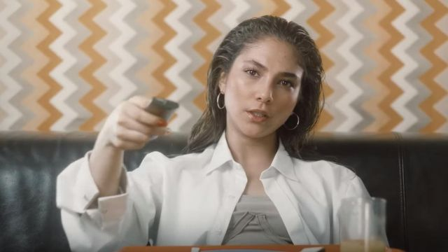 The white shirt outfit worn by Chilla in her video clip Bridget - Youtube Outfits and Products