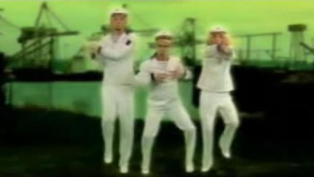 The white suit of marine Michaël Youn of Bratisla Boys in the clip Stach stach - Youtube Outfits and Products