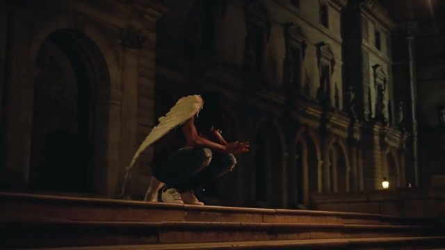 """The white wings of Jay Z in the video clip """"Apes**t"""" from The Crankcase - Youtube Outfits and Products"""