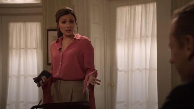 Theory Tie Cuff Shirt outfit worn by Emily Rhodes (Italia Ricci) in Designated Survivor (Season 03 Episode 02) - TV Show Outfits and Products