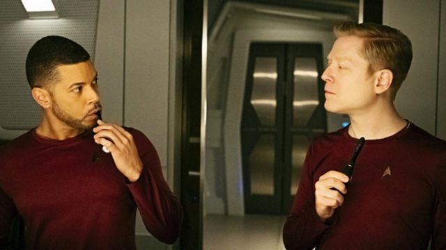 Fashion Trends 2021: Toothbrushes Foreo in Star Trek : Discovery Season 1 Episode 5