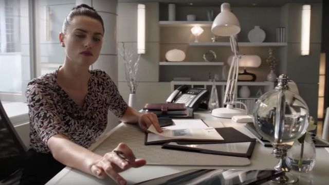 Top printed sheets Isabel Marant Star outfit worn by Lena Luthor (Katie McGrath) seen in Supergirl Season 4 Episode 2 - TV Show Outfits and Products