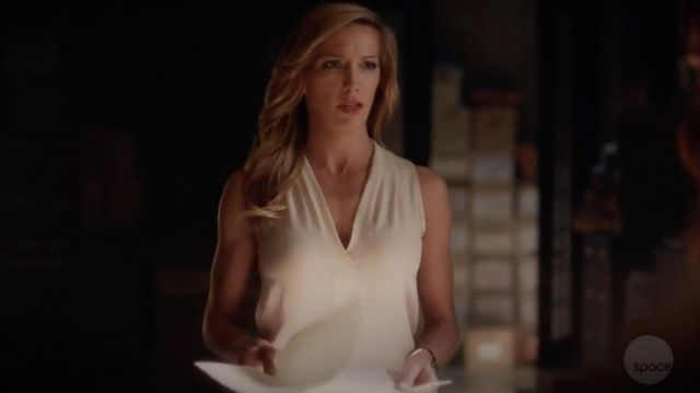 Top white sleeveless silk Theory of Laurel Lance (Katie Cassidy) seen in Arrow (Season 7 Episode 5) - TV Show Outfits and Products