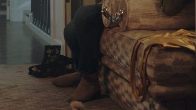 Fashion Trends 2021: Topshop Floral Velvet Booties outfit seen on Peach Salinger (Shay Mitchell) in YOU S01E04