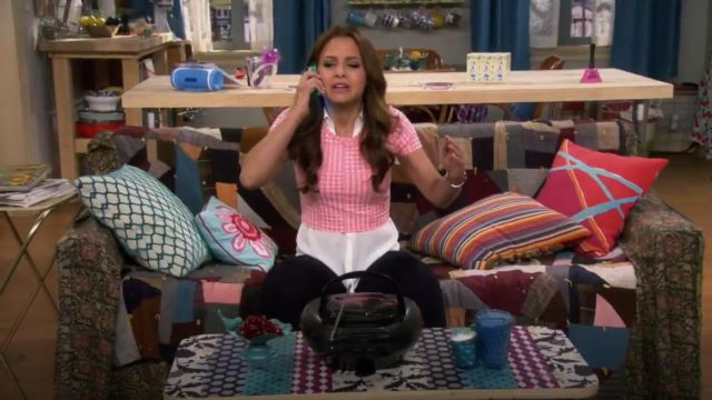 Topshop Gingham Jacquard Crop Tee outfit worn by Sofia Rodriguez (Aimee Carrero) in Young & Hungry (S01E07) - TV Show Outfits and Products