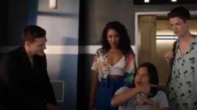 Topshop Mini Skirt outfit worn by Iris West (Candice Patton) in The Flash Season 06 Episode05 - TV Show Outfits and Products