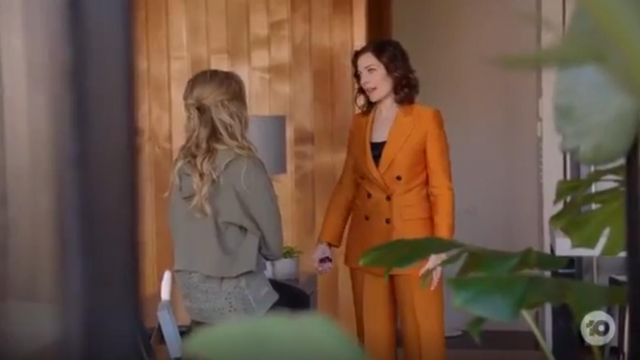 Topshop Striped Jacket And Pants outfit worn by Maddy Cochrane (Annie Maynard) in Playing for Keeps Season 02 Episode 01 - TV Show Outfits and Products