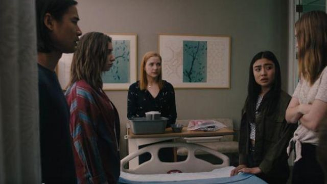 Topshop green cropped shirt jacket outfit worn by Alex Portnoy (Brianne Tju) in Light as a Feather Season 02 Episode 11 - TV Show Outfits and Products