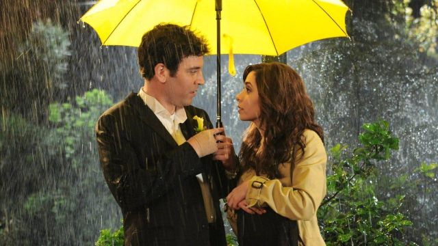 Fashion Trends 2021: Umbrella yellow Lily Aldrin (Alyson Hannigan) seen in How I met your mother Season 9E24