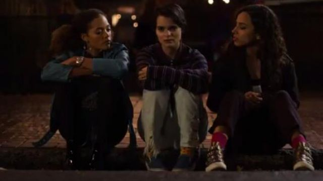 Vans Classic Slip on Sneakers outfit worn by Elodie Davis (Brianna Hildebrand) in Trinkets (S01E02) - TV Show Outfits and Products