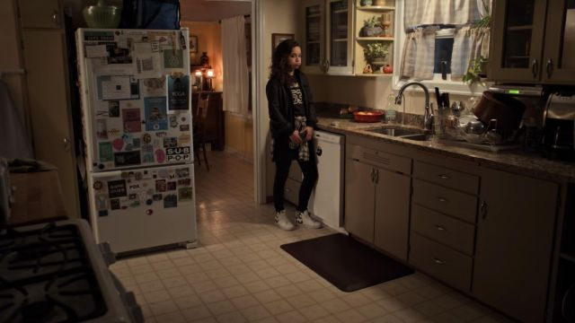 Vans Sk8 Hi Re Issue Logo Pack White outfit worn by Moe Truax (Kiana Madeira) in Trinkets (S01E02) - TV Show Outfits and Products