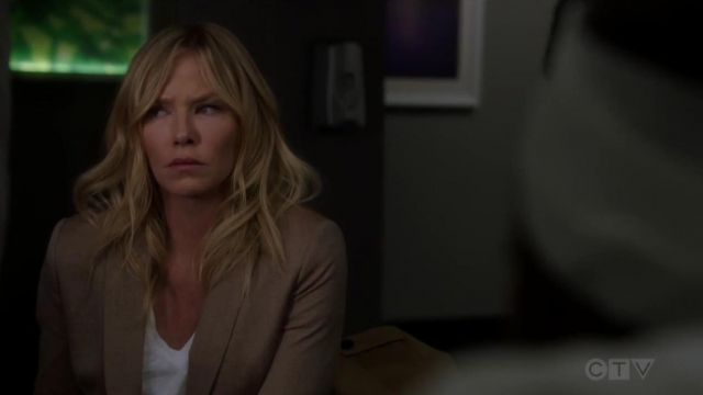 Vince Little Boy V Neck T Shirt outfit worn by Amanda Rollins (Kelli Giddish) in Law & Order: Special Victims Unit (S20E22) - TV Show Outfits and Products
