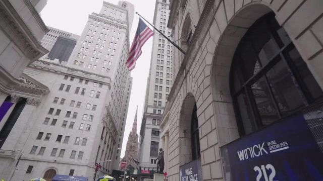 Wall Street with the New York Stock Exchange and Trinity Church in the clip While then Bigflo & Oli - Youtube Outfits and Products