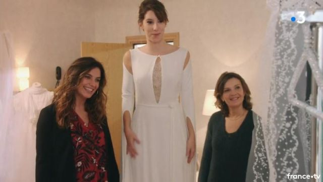 Fashion Trends 2021: Wedding dress of Barbara (Leah Francis) seen in the Most beautiful life S14E3470 (colours on request)