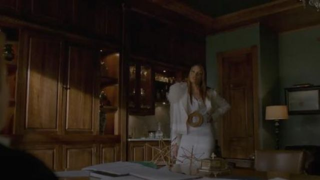 White Feather-Trimmed Blazer outfit worn by Dominique Deveraux (Michael Michele) in Dynasty Season 2 Episode 21 - TV Show Outfits and Products