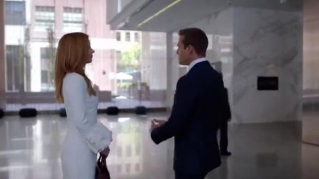 White dress of Donna Paulsen (Sarah Rafferty) seen in Suits : Lawyers-to-Measure Season 8 Episode 7 - TV Show Outfits and Products