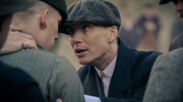 Fashion Trends 2021: White shirt striped purple and white-collar Thomas Shelby (Cillian Murphy) seen in Peaky Blinders Season 1 Episode 4
