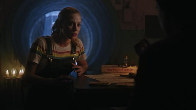 White t-shirt striped Elizabeth and James outfit worn by Betty Cooper (Lili Reinhart) seen in Riverdale Season 3 Episode 5