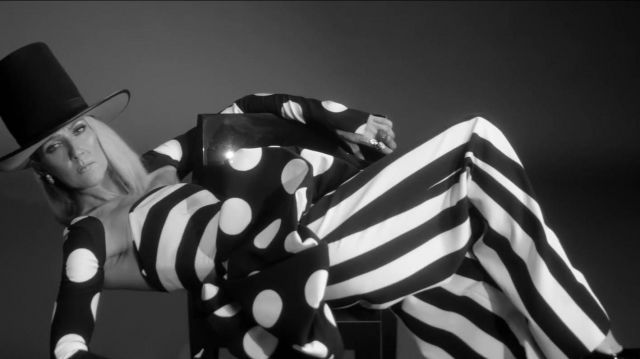 Wide legged pants in black and white stripes Celine Dion in Celine Dion - Imperfections - Youtube Outfits and Products