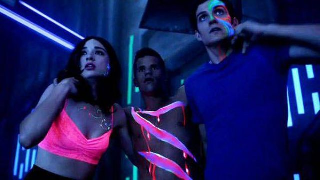 Fashion Trends 2021: Xhilaration Juniors Perfect Lace Bralette outfit seen on Allison Argent (Crystal Reed) as seen in Teen Wolf S03E16
