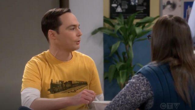 Yellow t-shirt printed train outfit worn by Sheldon Cooper (Jim Parsons) seen in The Big Bang Theory S12 Episode 6 - TV Show Outfits and Products