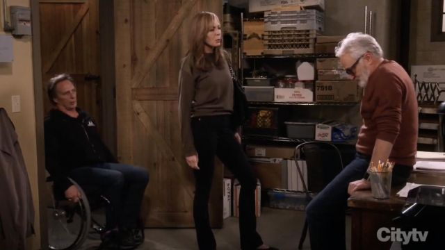 Fashion Trends 2021: Zadig & Voltaire Kansas Patch Green Sweater outfit seen on Bonnie (Allison Janney) in Mom S06E13