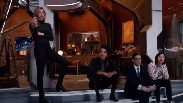 Fashion Trends 2021: Zara Flat Ankle Boots with Studs outfit worn by Amaya Jiwe (Maisie Richardson-Sellers) in DC's Legends of Tomorrow (S04E16)