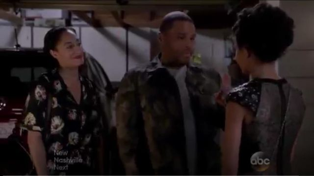 Zara Floral Jumpsuit With Lapel Collar outfit worn by Rainbow Johnson (Tracee Ellis Ross) in black-ish (S01E21) - TV Show Outfits and Products