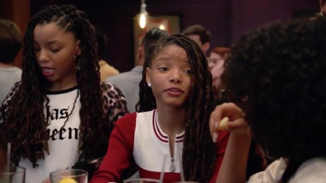 Zipped sweater red and white Sandro de Skylar Forster (Halle Bailey) seen in Grown-ish Season 1 Episode 4 - TV Show Outfits and Products