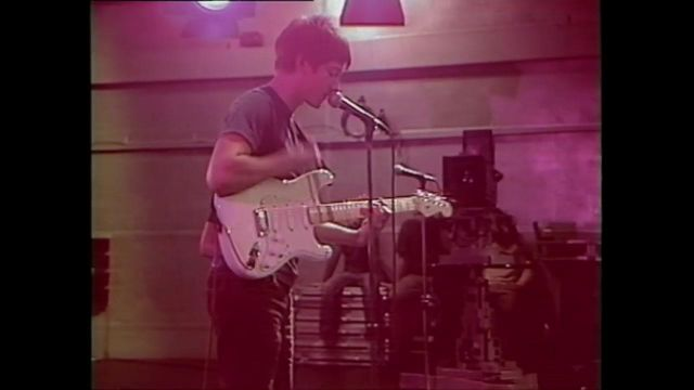 the guitar of Alex Turner (Arctic Monkeys) I bet you look good on the dancefloor - Youtube Outfits and Products