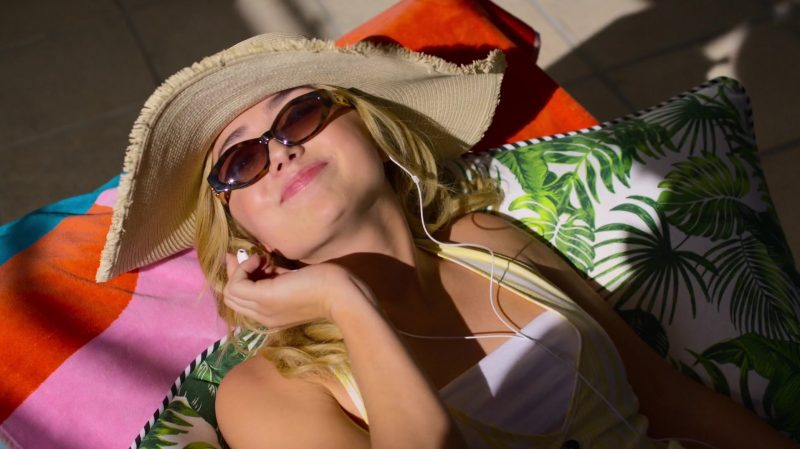 Stylish Sunglasses of Peyton List in Swimming for Gold - Movie Outfits and Products