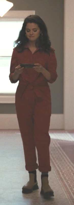 Fashion Trends 2021: Women's Coveralls Worn by Selena Gomez as Mabel in Only Murders in the Building
