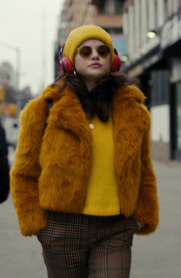 Fashion Trends 2021: Women's Faux Fur Coat of Selena Gomez as Mabel in Only Murders in the Building